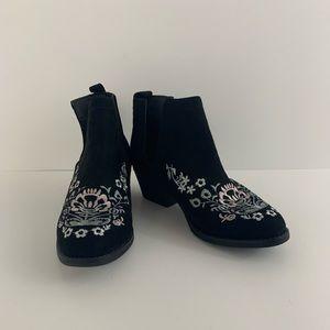 Olivia Miller Black Booties Embroidered Suede Sz 6